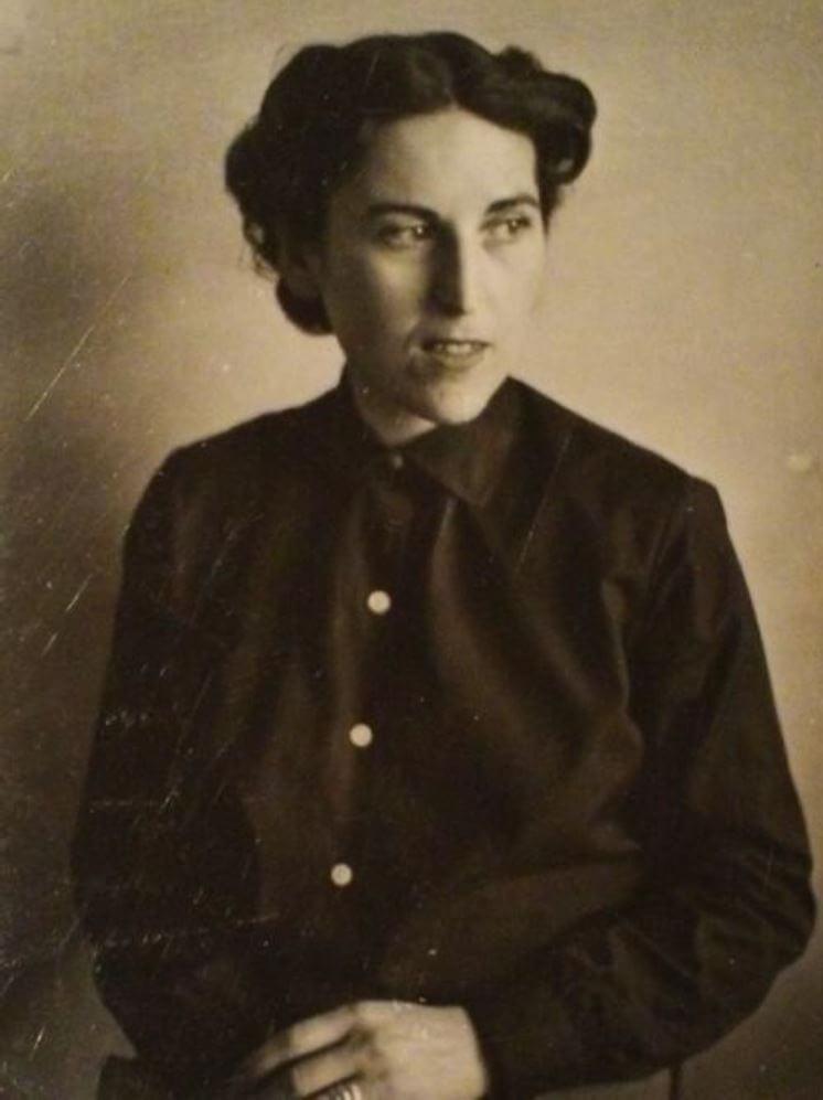 Un ritratto fotografico di Charlotte Delbo